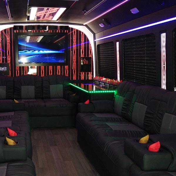luxury coach 3
