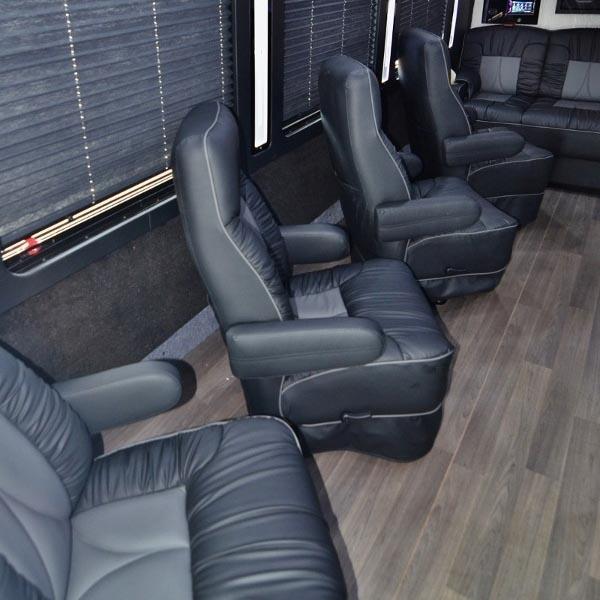 luxury coach 5