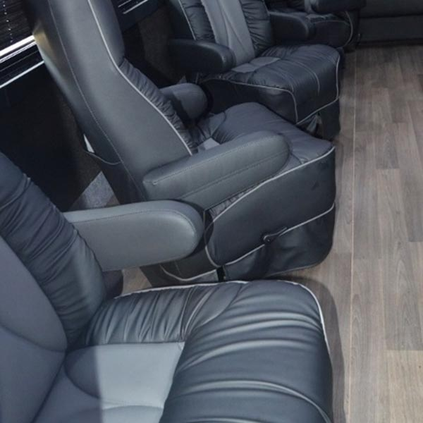 luxury coach 6