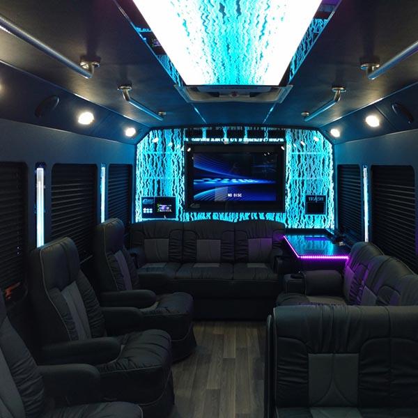 luxury coach 7